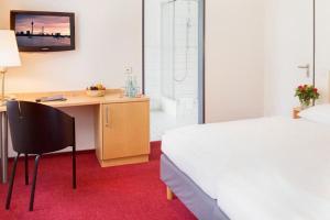 Dvoulůžkový pokoj s manželskou postelí - Prohlídka památek