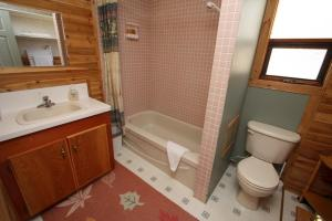 Deluxe Two-Bedroom Cabin