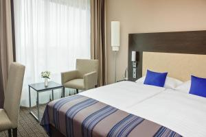 Standard Double or Twin Room - Public Transport Ticket Included