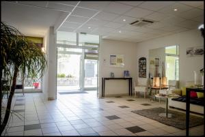 Appart'hôtel - Résidence la Closeraie, Residence  Lourdes - big - 49