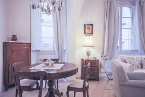 Apartments Florence Parione