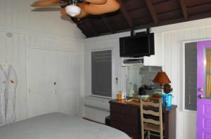 Compass Point Beach Resort (5 of 47)