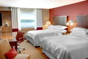 Deluxe Queen Room with Two Queen Beds and River View