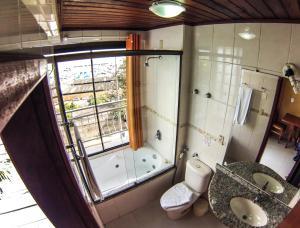 Luxuröses Zimmer mit Whirlpool-Badewanne