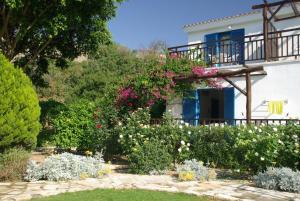 Hylatio Tourist Village, Апарт-отели  Писсури - big - 8