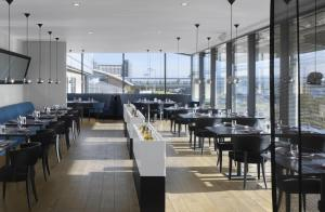 Radisson Blu Manchester Airport, Hotels  Hale - big - 42