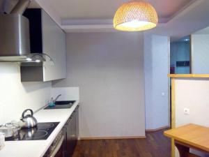Apartment Zvezdova, Apartmanok  Omszk - big - 10