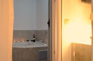 The Saint Vlassis, Hotels  Naxos Chora - big - 27