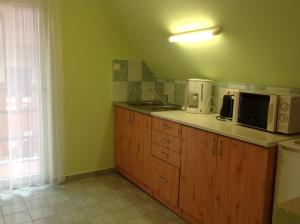Apartment Villa Attila, Apartmanok  Hévíz - big - 11