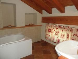 I Picchi, Гостевые дома  Charvensod - big - 9