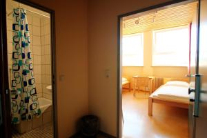 Twin Room with Private Shower/WC