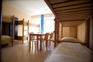 6-Bed Room with Private Shower/WC