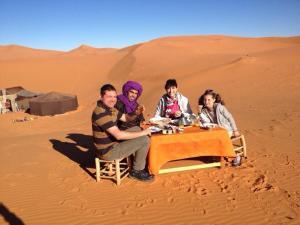 Marhaba Camp, Camel & Sandboarding, Luxury tents  Merzouga - big - 63