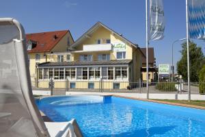 Hotel Huberhof, Hotely  Allershausen - big - 79