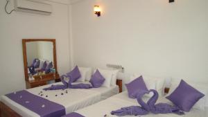Hotel Gayan's, Отели  Удавалаве - big - 10