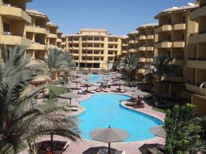 Апартаменты Apartments at British Resort, Хургада