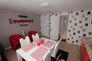 Apartment Skyline, Apartmány  Ypres - big - 13