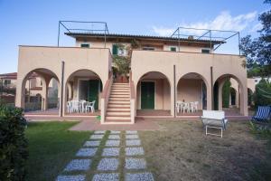 Appartamenti Ginestre - AbcAlberghi.com
