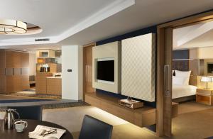 Apartament typu Deluxe Suite z widokiem na ogród
