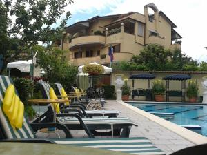 Hotel Flowers - AbcAlberghi.com