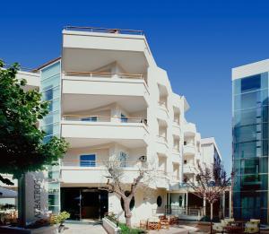 Hotel Albatros, Отели  Мизано-Адриатико - big - 1