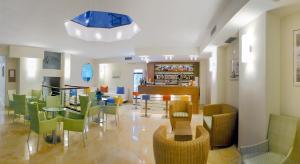 Hotel Albatros, Отели  Мизано-Адриатико - big - 15