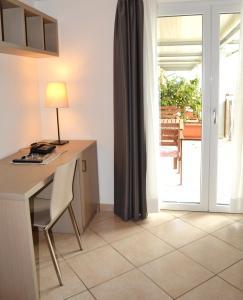 Villa Franca, Hotel  Nago-Torbole - big - 57