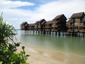 Sea Village Private Unit @ Langkawi Lagoon Resort, Üdülőtelepek  Kampung Padang Masirat - big - 18
