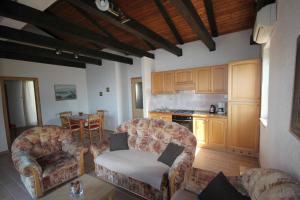 Apartments Zuppy Crikvenica, Apartments  Crikvenica - big - 40