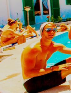 Paradise Beach Hostel - Ostello - AbcAlberghi.com
