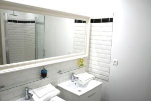 Les Chambres Panda, Homestays  Saint-Aignan - big - 27