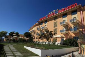 Grand Hotel Paradiso, Hotely  Catanzaro Lido - big - 96