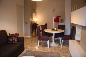 Chez Nous, Ferienwohnungen  Mailand - big - 11