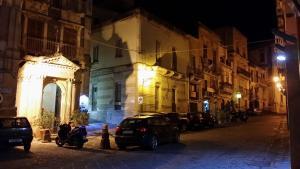 La Siciliana Ortigia, Apartmanok  Szirakúza - big - 11