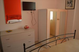B&B Le Tre Stelle, Bed and Breakfasts  Milazzo - big - 11