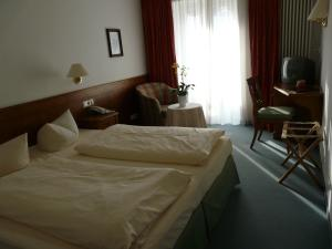 Hotel Roter Hahn Garni, Отели  Гармиш-Партенкирхен - big - 9