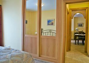 Apartamentos Turísticos Casa de La Borrega, Appartamenti  Estepona - big - 9