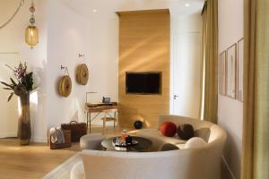 Hotel Marignan Champs-Elysées, Отели  Париж - big - 29