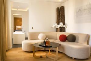 Hotel Marignan Champs-Elysées, Отели  Париж - big - 39
