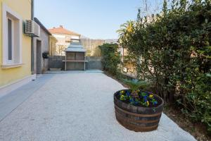Apartment Chivas, Appartamenti  Kaštela (Castelli) - big - 8