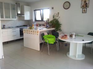 Casa la Bunica, Penzióny  Domneşti - big - 2