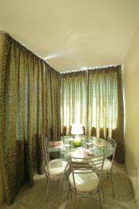Sintria Court Premium, Art-Maisonettes & Panoramic Roof, Ferienwohnungen  Balchik - big - 42