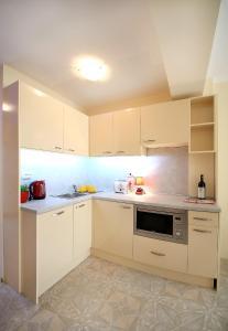 Sintria Court Premium, Art-Maisonettes & Panoramic Roof, Apartmány  Balchik - big - 3