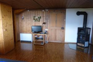 Ferienhaus Wang, Apartmanok  Beatenberg - big - 7
