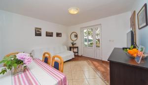 Apartments Jelen, Apartmanok  Dubrovnik - big - 14