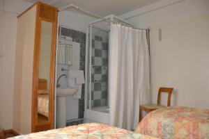 Quadruple Room with Shared Toilet