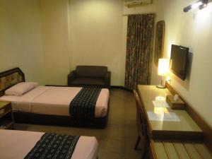 Losari Beach Inn, Hotel  Makassar - big - 12
