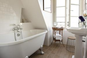 Deluxe Twin Room with Bath
