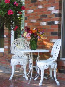 A Wildwood Rose Vacation Rental, Villas  Kelowna - big - 6