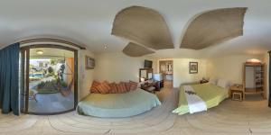 Superior Queen Room with Garden View